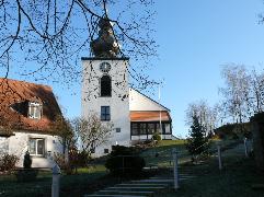 Friedhof Langenfeld mit Kirche